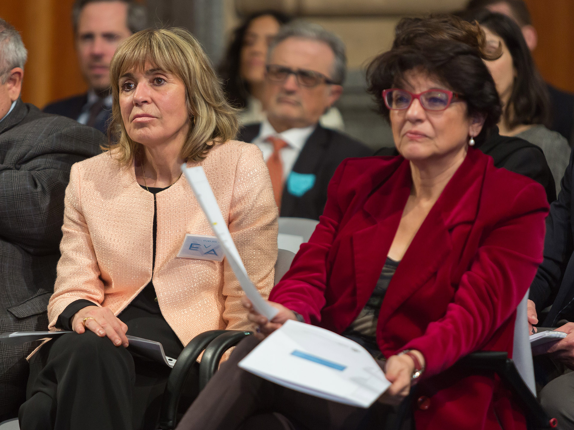 La presidenta de EVA junto a Soledad Murillo.