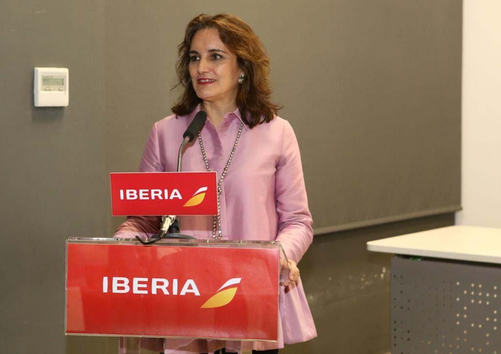 Isabel Maestre, directora de la Agencia Estatal de Seguridad Aérea, y vicepresidenta de EVA, doy la bienvenida a todos los asistentes.