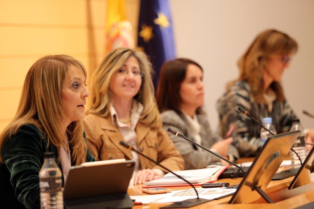 En la mesa de debate se analizó la importancia de la innovación en el sector.