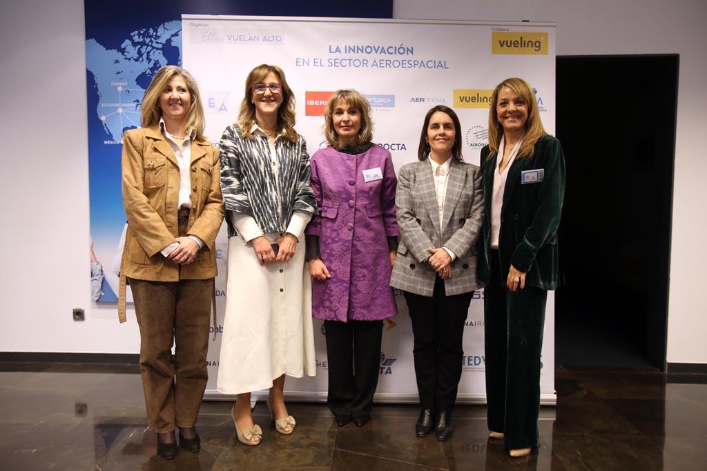 Nuestras ponentes, de izquierda a derecha, Almudena Sánchez, Silvia Lazcano, Teresa Busto, Patricia Argerey y Cristina Cuerno.